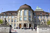 Switzerland: Students at the entry of the University of Zürich.