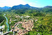 Vue aerienne sur Castellane, Parc regional du Verdon, Alpes de Haute Provence, 04, PACA,.