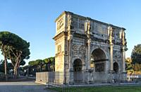 The Arch of Constantine situated between the Colosseum and the Palatine Hill. It is the largest of Rome's Triumphal arches. Rome, Lazio, Italy.