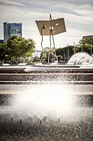 Fountain square and sculpture in Vila Olimpica quarter.