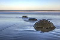 Moeraki Boulders, Koekohe Beach, Otago, South Island, New Zealand.