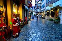 Christmas decorated shops, historic part of Schwäbisch Hall, Schwäbisch Hall, Baden-Württemberg, Germany, Europe