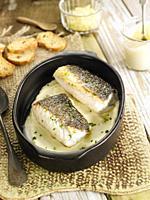 filete de bacalao con vasito de salsa aioli / Cod fillet with aioli sauce