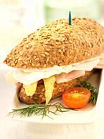 Mini de esparragos con queso de cabra y jamon de york