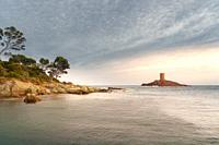 Ile d´Or island at Cape Dramont, Saint-Raphael, Var, Provence-Alpes-Cote d`Azur, France, Europe.