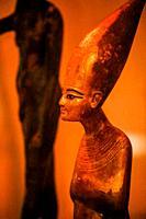 Tutankhamen as Harpooner, A Golden Statue of king Tutankhamon, New Kingdom, Egyptian museum.