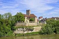 Die mittelalterliche Grafenburg und heutiges Rathaus zu Lauffen am Neckar, Deutschland.