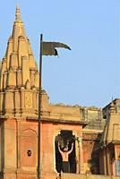 India, Uttar Pradesh, Varanasi, Early morning prayer on top of Dashashwamedh Ghat.