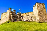 Facade of the Templar Castle, built in the 12th century. Ponferrada, El Bierzo, Leon, Castile and Leon, Spain, Europe.