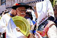 Couple dressed in traditional Lagartera costume. Lagartera, Toledo, Castilla - La Mancha, Spain, Europe.