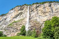 Staubbach Falls in Lauterbrunnen Valley, Lauterbrunnen, Bernese Oberland, Switzerland, Europe.