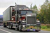 Lempaala, Finland. August 8, 2019. Sundance Kid Saloon Kenworth W900 B year 1987 in front of Great Dane trailer in convoy to Power Truck Show 2019. Cr...