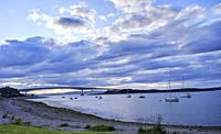 Kyleakin (/kaɪlË. É'Ë. kɪn/; Scottish Gaelic: Caol Ã. cain) is a village situated on the east coast of the Isle of Skye in the Inner Hebrides, Scotl...