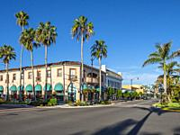 West Venice Avenue in downtown Venice Florida shopping and entertainment area.