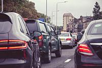 Heavy congested traffic on a busy London street.