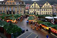 Christmas market at Marktplatz, on left town hall seen from Protestant parish church of St. Michael, Marktplatz - historic part of Schwäbisch Hall, Ch...