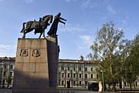 Monument dedie a Gediminas, Grand-Duc de Lituanie (1275-1341), sur la Place de la Cathedrale, Vilnius, Lituanie, Europe/Gediminas Monument (Grand Duke...