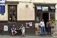 facade des bars Coffee 1 et Spunka, rue Uzupio, quartier d'Uzupis,Vilnius, Lituanie, Europe/front of Coffee 1 and Spunka bars, Uzupio Street, Uzupis d...
