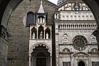 Northern portal arch of the Basilica of Santa Maria Maggiore and the Colleoni Chapel (Cappella Colleoni). View from loggia arch of Palazzo della Ragio...