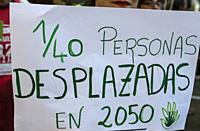 Madrid, Spain, 27th September 2019. View of a placard protesting against climate change in Paseo del Prado, Madrid city, Spain