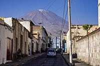 Streets of Arequipa with the Misti volcano in the background. Arequipa,Perú,South America.