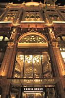 Hungary, Budapest, Párisi Udvar, Paris Courtyard.