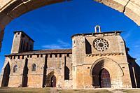 Iglesia gótica de Santa María de los Reyes. Grijalba. Burgos. Castilla León. España.