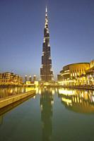 Burj Khalifa, Dubai, United Arab Emirates ( UAE ).