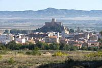 Almansa and the Castle. Almansa, Albacete Province, Spain.