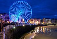 Ferris wheel, Christmas lights, Alderdi Eder Park, La Concha Bay, Donostia, San Sebastian, Gipuzkoa, Basque Country, Spain, Europe
