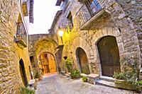 Street Scene, Typical Architecture, Medieval Village of Aínsa, Villa de Aínsa, Sobrarbe, Huesca, Aragón, Spain, Europe.