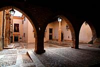 Square with the twon hall, the Purification church and the house of Blinque in La Iglesuela del Cid. Teruel.
