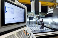 Machining Centre, CNC Milling. Machine tool, Metal industry, Mechanical workshop,