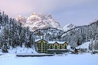 Lake Misurina, Misurina, Cortina d'Ampezzo, Belluno, Veneto, Dolomites, Italy, Europe.