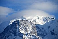 France, Haute-Savoie (74), Alps, Mont Blanc (4807 m) and Mont Blanc mountain range with lenticular cloud.