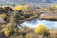 Laguna de Uña, near the village of Uña, Cuenca Province, Castilla la Mancha, Spain. The lagoon forms a part of the Parque Natural Serranía de Cuenca.