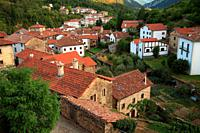 View of the village of Roncal. Navarra.