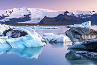 Jökulsárlón glacial lagoon, Eastern Region, Iceland.