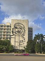 Classic cars in front of Che Guevara, Plaza de la Revolucion, Havana, Cuba.