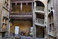 Magnificent courtyard in a private mansion in Dijon, the Chambellan hotel, with his splendid staircase. Are exposed the necessary to make the famous D...
