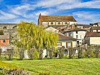 view of village from the west with Eglise Saint Etienne, Lauzun, Lot-et-Garonne Department, Nouvelle Aquitaine, France.