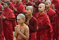 India, Uttar Pradesh, Varanasi, Karpatri ashram, Morning prayer.