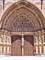 Catedral gótica de Santa María (portada del sarmental). León. Castilla León. España.