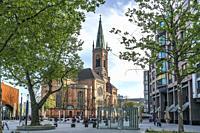 Die evangelische Johanneskirche auf dem Martin-Luther-Platz, Landeshauptstadt Duesseldorf, Nordrhein-Westfalen, Deutschland, Europa   The protestant S...