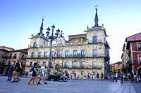 Palacio de la Paridad, old town hall, Plaza de San Marcelo, Leon, Spain