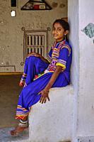 India, Gujarat, Kutch, Ludiya village, Meghwal ethnic group, young girl.