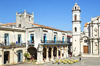 Plaza de la Catedral with its restored aristocratic residences and the bell tower of the cathedral. Habana Vieja, Havana, Cuba.