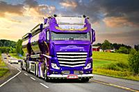 Super Truck Mercedes-Benz Actros Lowrider of Kuljetus Auvinen Oy returns from Power Truck Show 2018 held in Alahärmä. Ikaalinen, Finland. Aug 12, 2018...