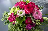 Oberhausen, Sterkrade, nature, plants, flowers, bunch of flowers, birthday bouquet, roses, ranunculus, freesias *** Local Caption ***.