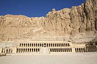 Overview, Hatshepsut Mortuary Temple (Deir el-Bahri), UNESCO World Heritage Site, Theban Necropolis, Luxor, Egypt